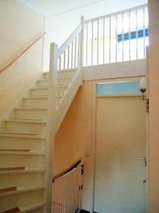 Trap inmeten en plaatsen bouw en timmerbedrijf van for Plaatsen trap